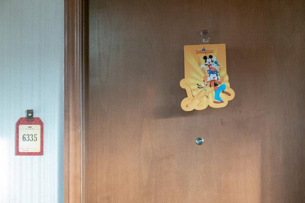 エクスプローラーズロッジのドア