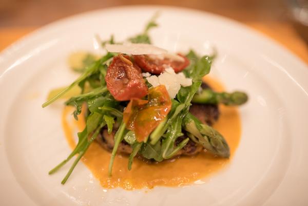 ポルトベロのバーガーステーキ、トマトソース